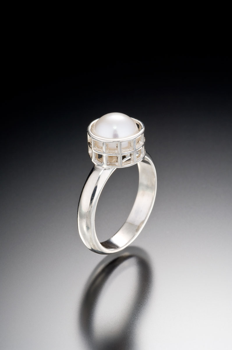 Mesh silver caged pearl ring