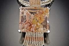 Lodolite in quartz