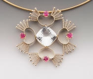 Queen-of-Hearts-necklace