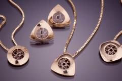Small Spyro pendants